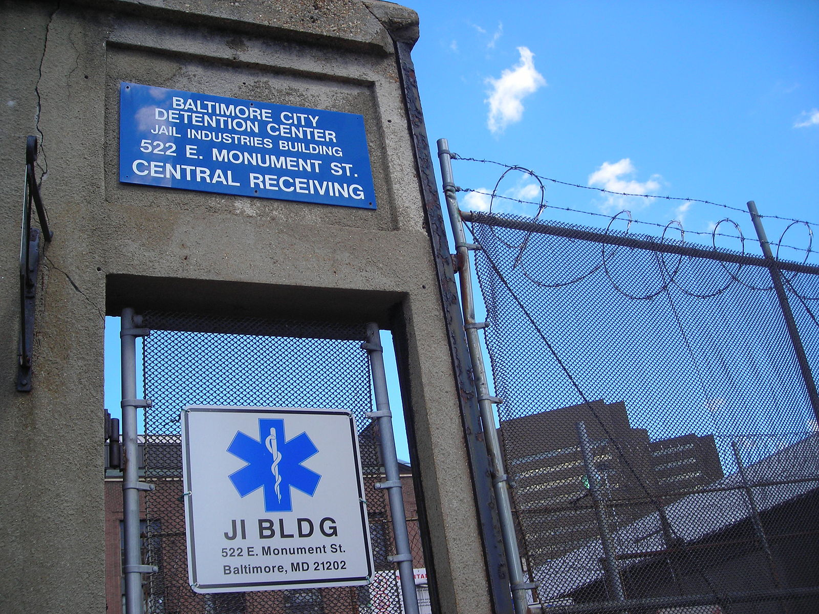 Baltimore Detention Center (Credit: Wikimedia Commons: groupuscule)