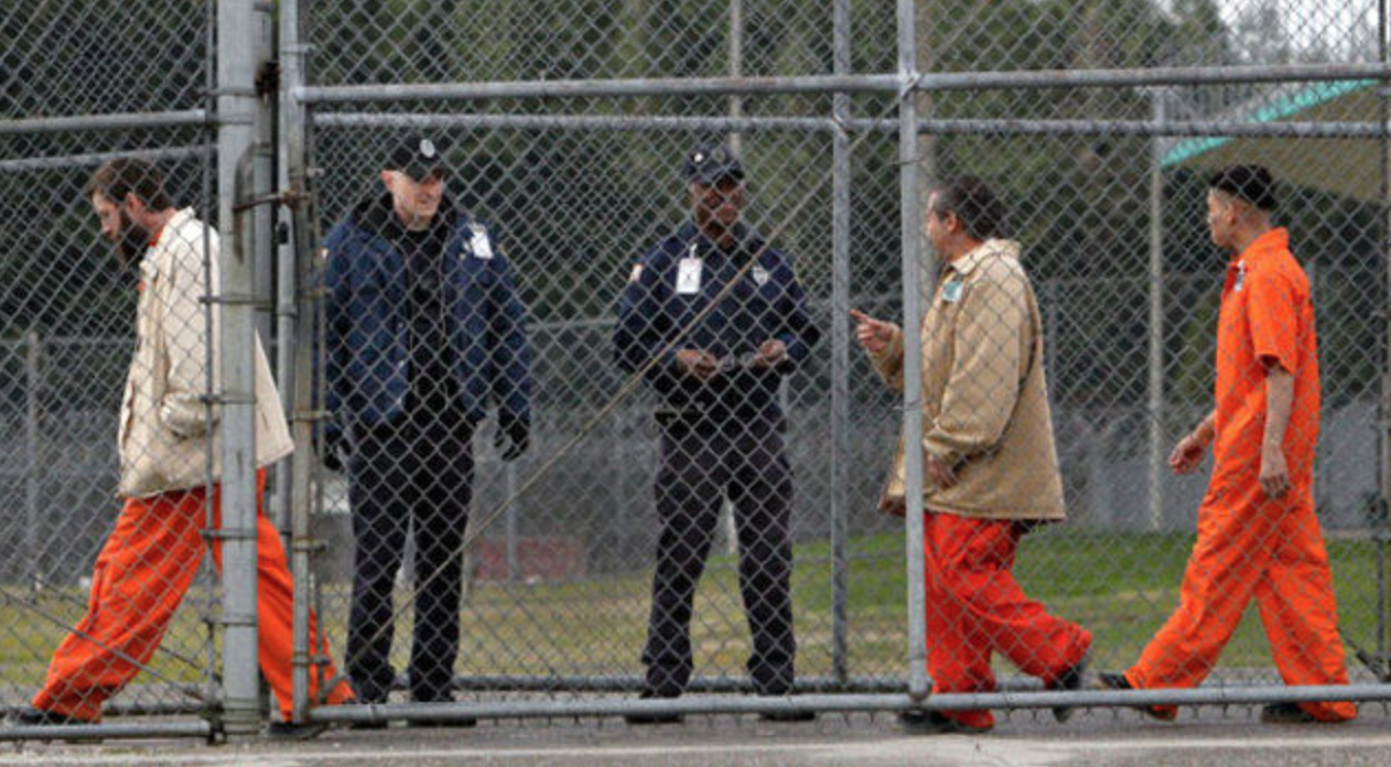 Prisoner Release (Credit: Flickr - el777mex)