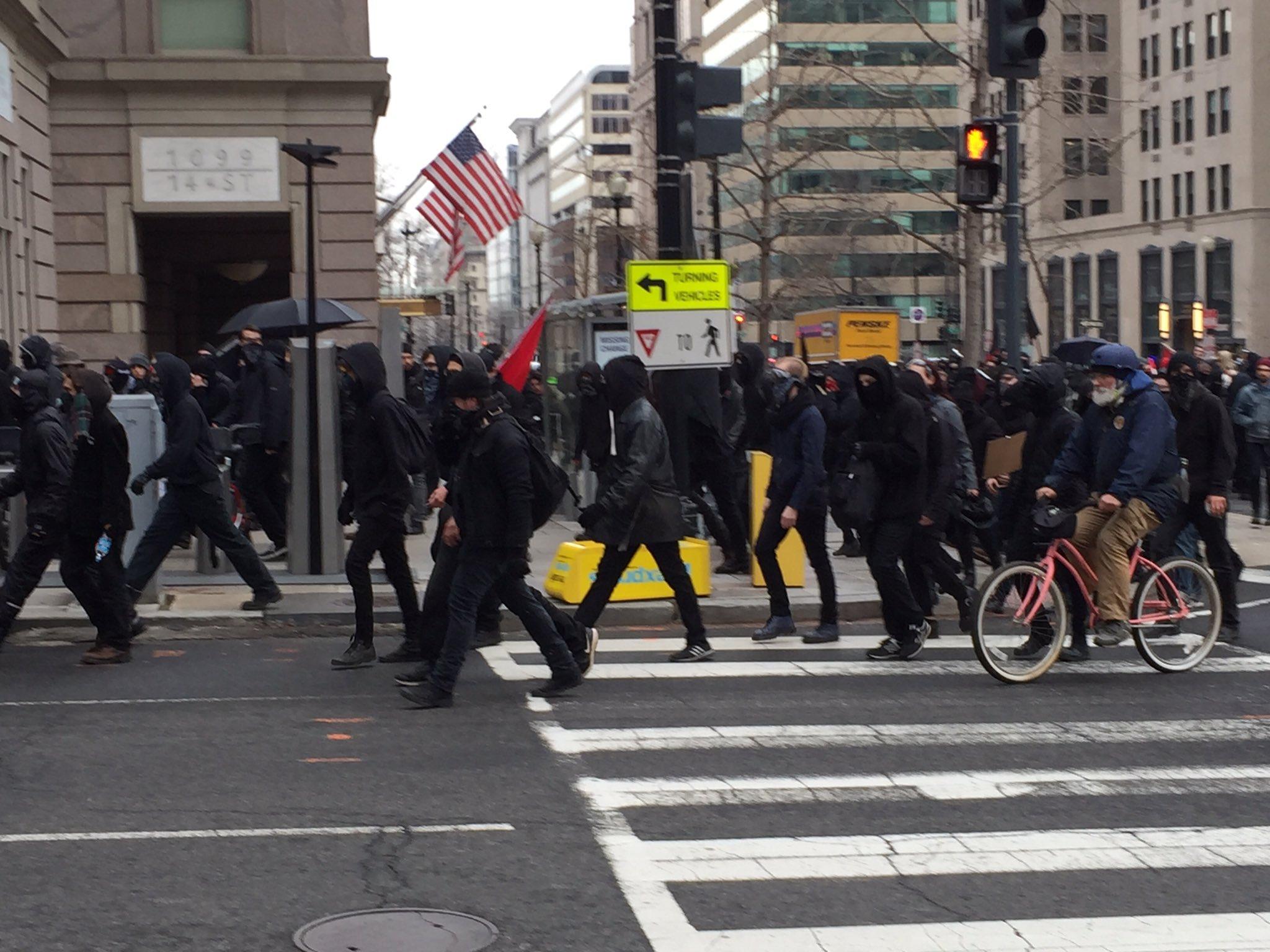 Black Bloc January 20 (Credit: Baynard Woods)